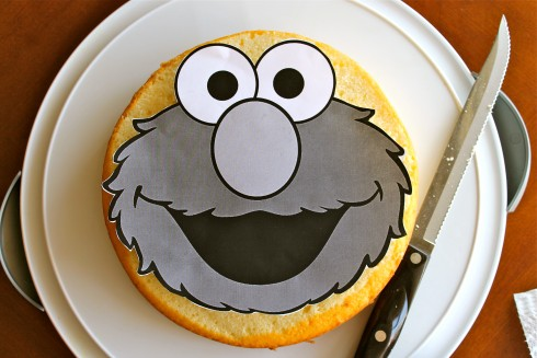 Elmo cake tutorial for dummies without an elmo cake pan for Elmo template for cake